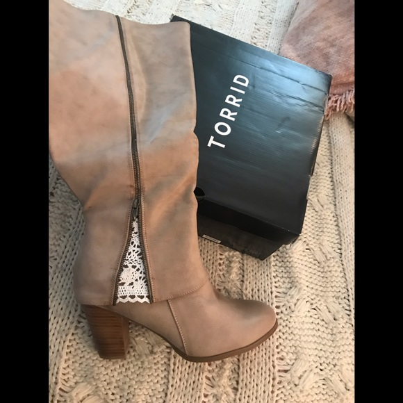 torrid Shoes   Size 13 Boots With Lace